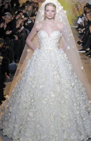 fefa21ee00764 ... فساتين زفاف من تصميم زهير مراد