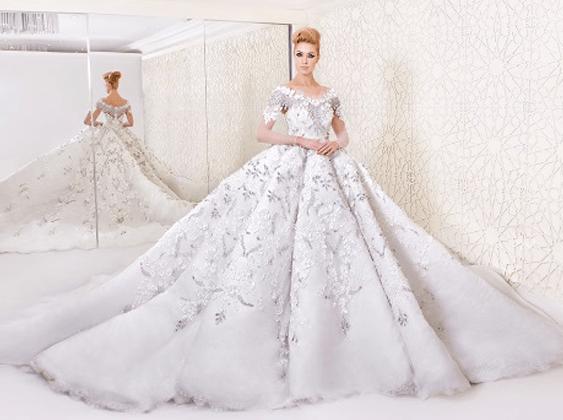 197aefeb85f16 فساتين زفاف مستوحاة من إلهة الحب و الجمال