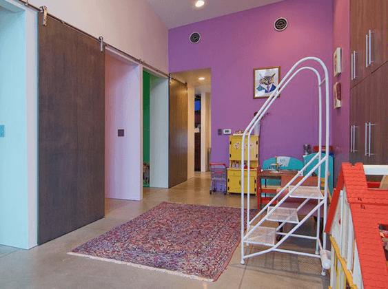 هل فكرتِ يوماً باعتماد أبواب الإسطبل في البيت؟