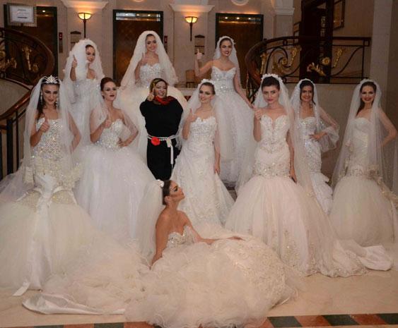 1716535ae7928 فساتين زفاف بلمسة خليجية في بيروت