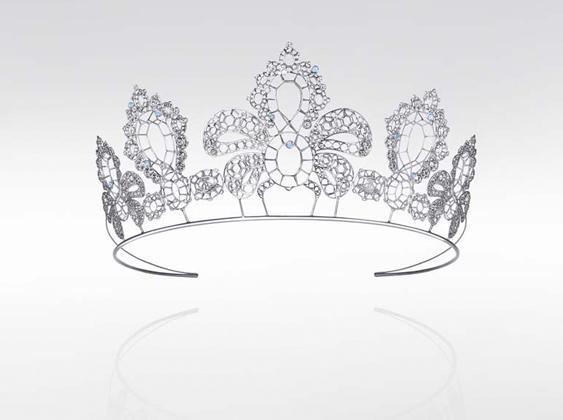 أيّ مجوهرات ستزيّن شعرك في زفافك؟