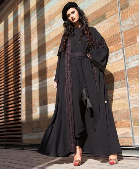 8c29d6b3c Gheir | أمل مراد في مجموعة جديدة، وهذا رأيها في مستقبل العباية الخليجية!