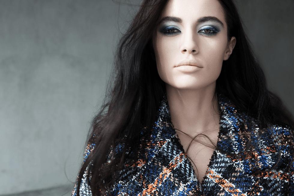 جمال عينيك يتألق بدرجات اللون الأزرق مع شانيل