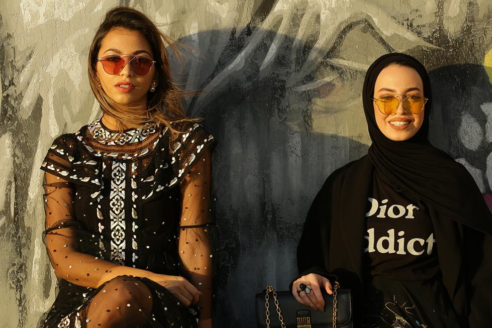 علامة واحدة، شخصيتان مختلفتان! دانا ولينا بتصاميم ديور ما قبل خريف 2017