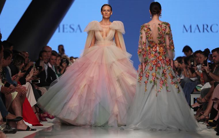 أسبوع الموضة العربي يستعين بالدور العالمية، فكيف كانت انطلاقته مساء أمس؟