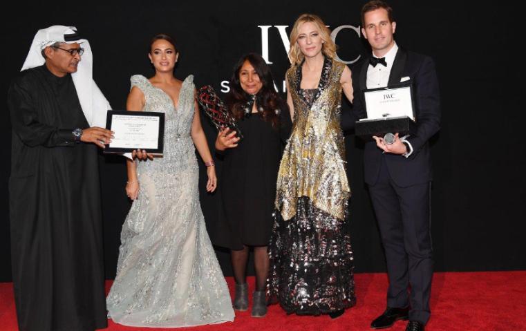 هيفاء المنصور تفوز بجائزة آي دبليو سي لهذا العام
