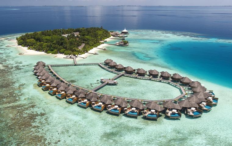 4 أسئلة تشرح لك لماذا ننصحك بهذا المنتجع المالديفي لقضاء إجازة العيد