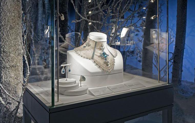 كيف تحوّلت الثلوج إلى مجوهرات مع بوشرون؟