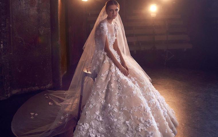 فساتين زفاف إيلي صعب: سنابل قمح وطرحات مزخرفة لعروس خريف 2018