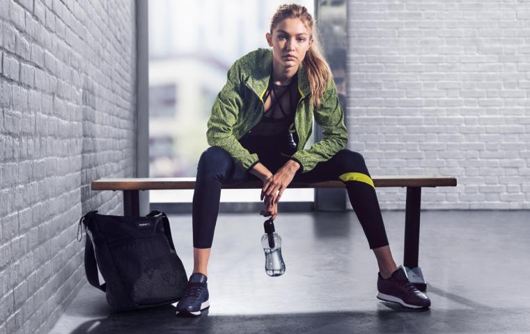 للمرأة العاملة: 6 تمارين مهمّة لتخفيف آلام الظهر وتمدّد الجسم