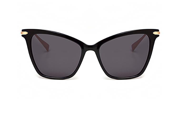 استعدي لتحصلي على نظارتك من مجموعة Hadid Eyewear!