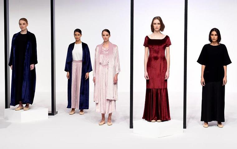 تشكيلة حصة الفلاسي: عبايات عصرية وفساتين أنيقة