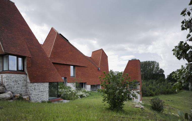 هذا هو المنزل الفائز بأرفع الجوائز البريطانية للتصميم