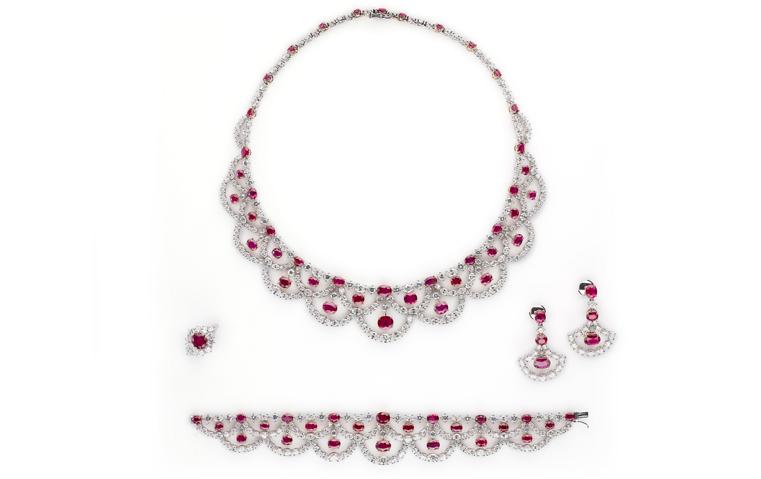ستحصلين على فخامة الأميرات في فرحك مع أطقم المجوهرات الاستثنائية هذه!