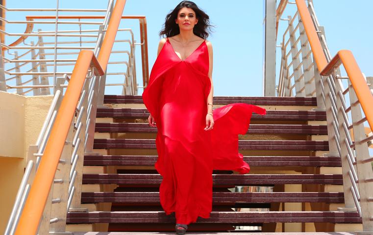 جلسة تصوير خاصة: ميريم عبادي تكشف لنا أسرار أناقتها وعشقها للسفر!
