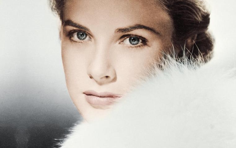 من هي خليفة جمال وجاذبية الأيقونة Grace Kelly؟