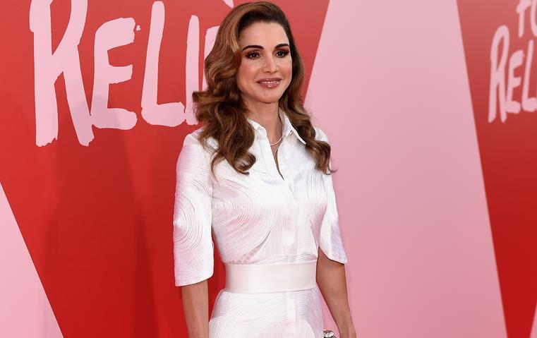 الملكة رانيا بإطلالة مثالية لرمضان ضمن فعاليات مهرجان كان