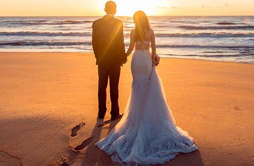 انعمي بزفاف حالم على شاطئ البحر مع عروض هذا الفندق