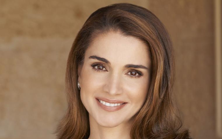 بطريقة راقية احتفلت الملكة رانيا بزواج شقيقها