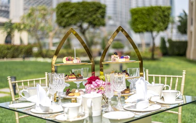 أسعدي أمّك بأفخر 5 أماكن شاي بعد الظهيرة في دبي