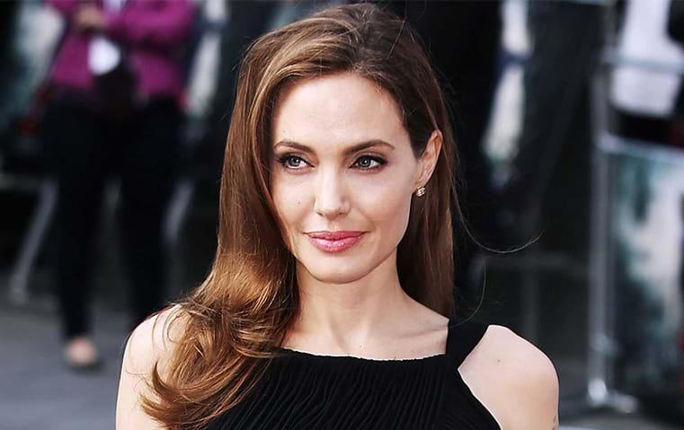 أنجلينا جولي تعفي شقيقها من مسؤولية أبنائها