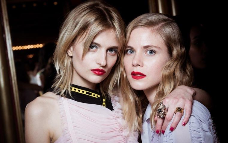 3 صيحات جمالية من اليوم الأول لأسبوع الموضة الباريسي