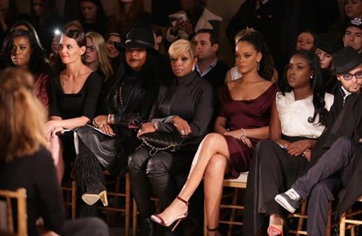 كم تتقاضى النجمات لحضور عروض الأزياء العالمية؟