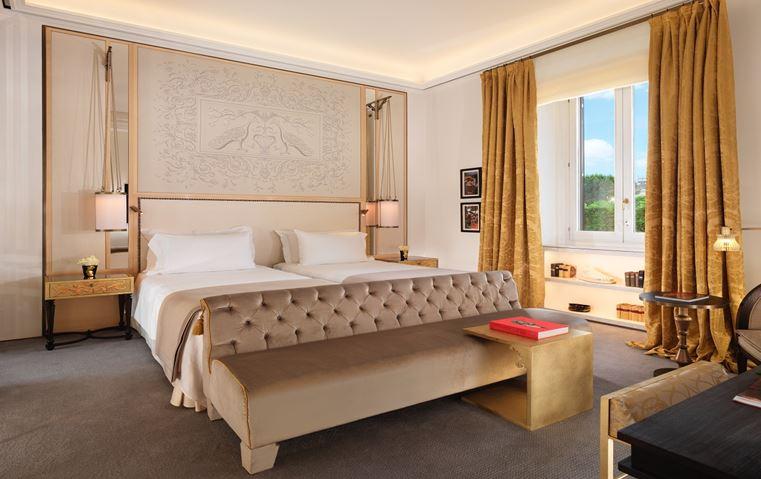 تجوّلي داخل أغلى غرفة فندقية في روما، وخطّطي لإجازة قريباً