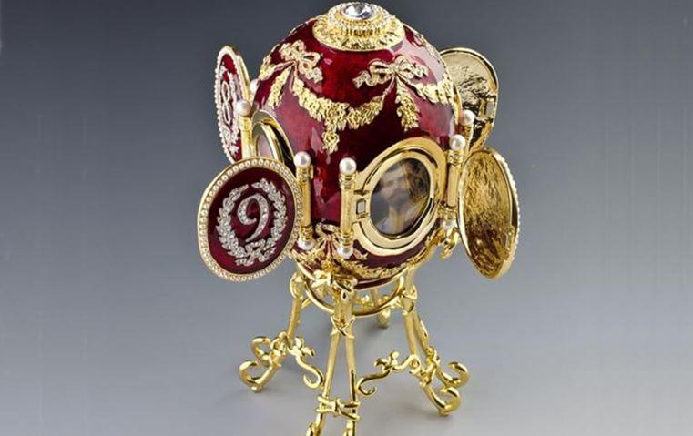2da647448d191 مجوهرات من التاريخ الروسي  تيجان باهرة وأحجار كريمة نادرة أذهلتنا بروعتها!