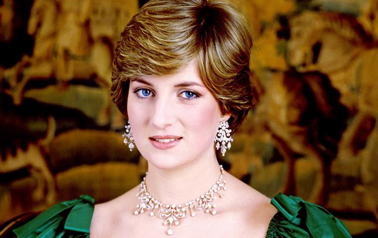 8 قطع مجوهرات ارتدتها الأميرة ديانا وأسرت قلوبنا بفخامتها