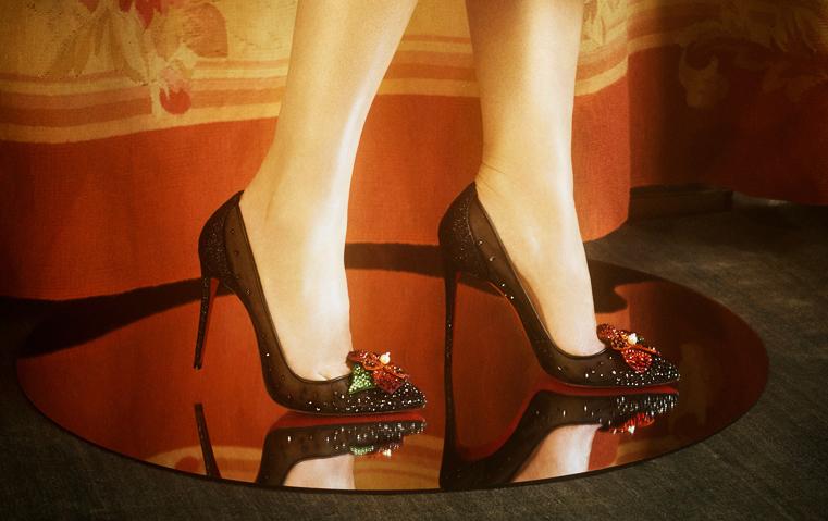 أحذية كريستيان لوبوتان تدخل عالم الهوت كوتور، فما هي التفاصيل؟