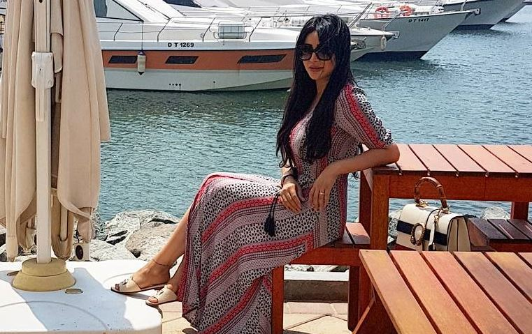 هذه هي أساسيات طلّات لُجين عمران في إجازاتها على الشاطئ!