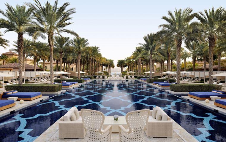 بين الصحراء والشاطئ إليك أفخم ثمانية منتجعات في الإمارات!