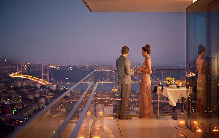 لا تفوّتي التعرّف إلى تفاصيل إقامتنا في فندق رافلز إسطنبول