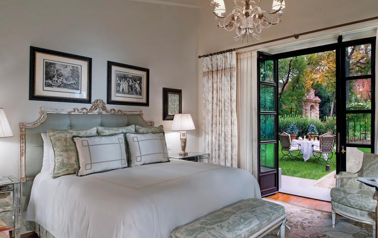 ماذا يعني أن تتمكني من تصميم إقامتك الفندقية لتحظي بالخصوصية وخدمات كاملة الرفاهية؟