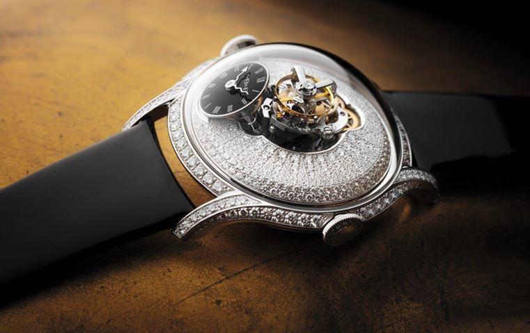 257101bac 5 من أحدث الإصدارات: ساعتك تعكس شخصيتك، فأي واحدة ستختارين؟   Gheir