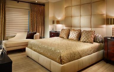 نصائح المصمّم الشهير ميدي نافاني لتجعلي غرفة نومك قطعة فنّية وواحة استرخاء