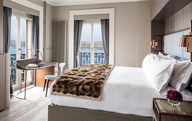 ماهي تفاصيل تجديد الفندق السويسري الذي يحتضن جناح أميرة موناكو؟