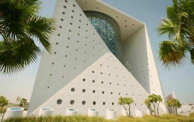 هكذا فقط تكتشفين عالم الغابات الاستوائية المذهل في دبي!