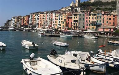 لا تفوّتي الفرصة لاستكشاف منطقة Cinque Terre الرائعة في إيطاليا!