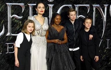 في سرية تامة، أنجلينا جولي تُخفي خضوع ابنتيها لعمليات جراحية