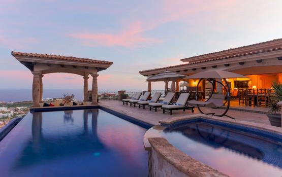 جولي معنا على 10 منازل ذات إطلالات رائعة من حول العالم