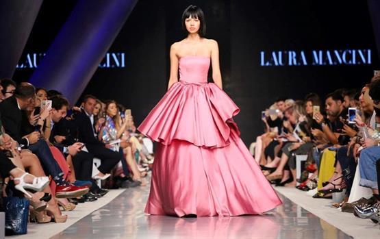 كيف كانت أزياء أسبوع الموضة العربي في يومه الثاني؟