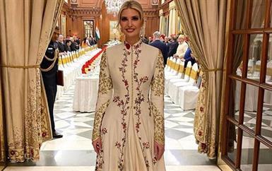 إيفانكا ترامب تَعتمد إطلالات إثنية بينما ميلانيا تكتفي فقط بالمجوهرات الهندية