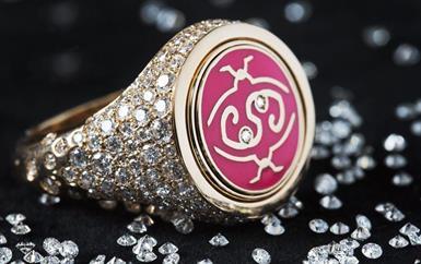 إليكِ مجوهرات الشيخة انتصار الصباح: تحمل في طياتها كل معاني الحب