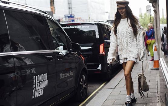 نجمات الستريت ستايل كان لهن عرض أزياء خاص في شوارع لندن