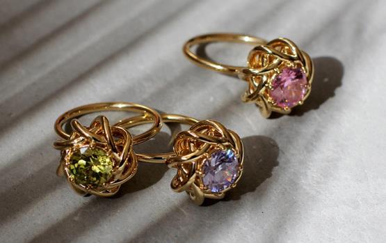 10 أسئلة تعرّفك على مصمم المجوهرات الأرمني-اللبناني SAHAG