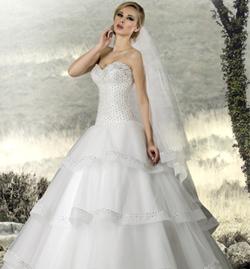 أبولو فادوس لـgheir: فستان العروس يجب أن ينسجم مع شخصيتها