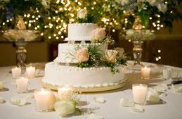 تعرّفي إلى كعكات زفاف المشاهير الأغلى تكلفةً على الإطلاق